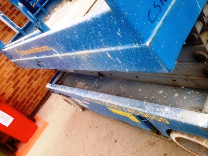 close up of the side view on the Genie scissor lift
