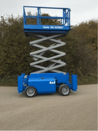 GS3268 Used Genie scissor lift fully extended