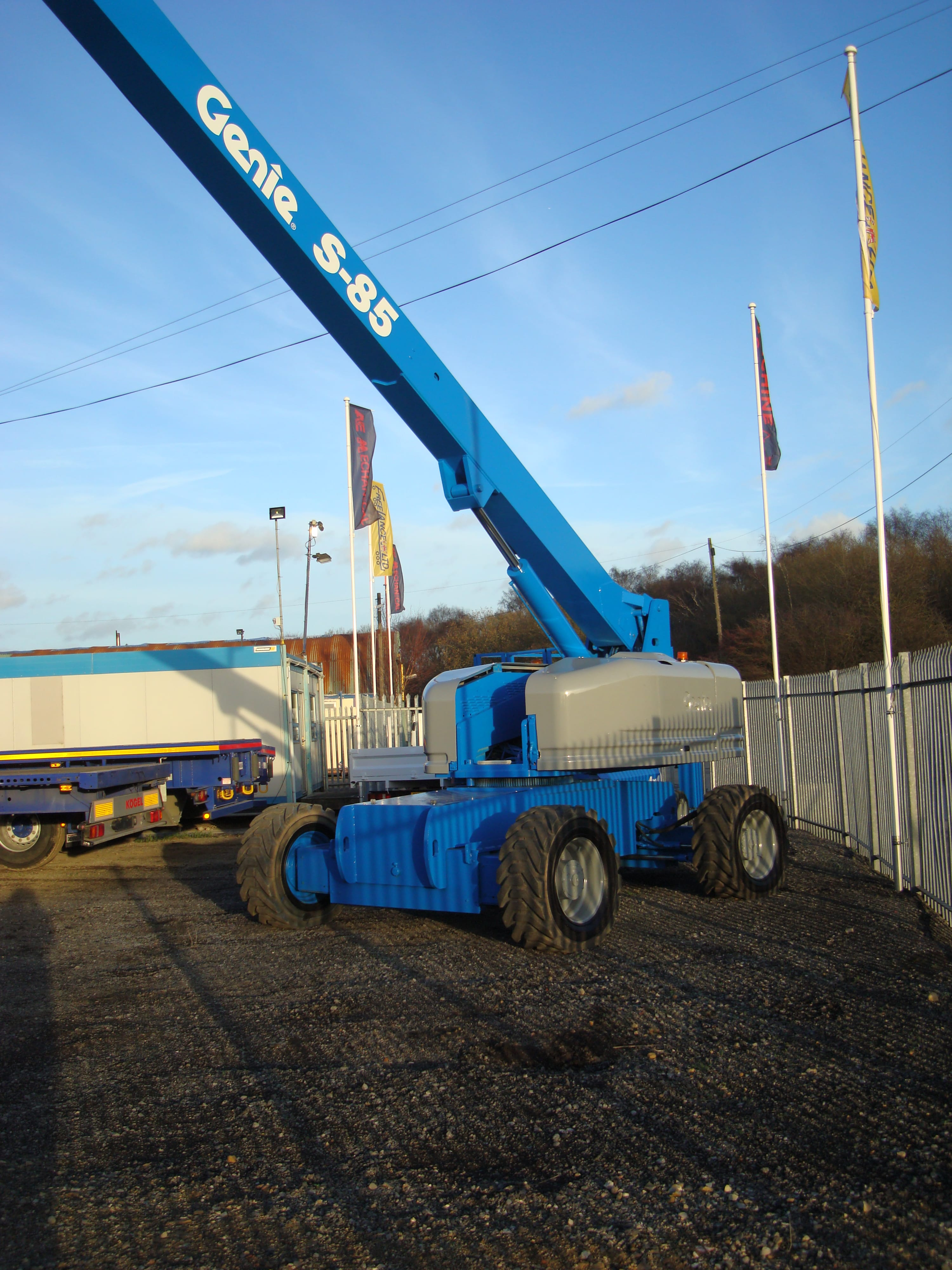 Fully extended Genie S85-2 boom crane