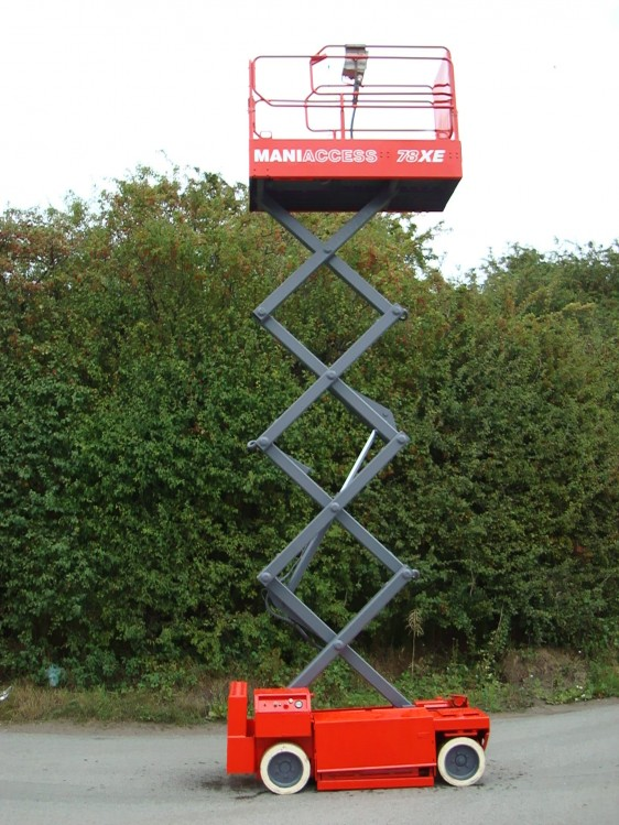 Manitou XE78-3 used scissor lift for sale fully extended