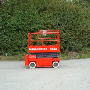 Manitou XE78 scissor lift for sale