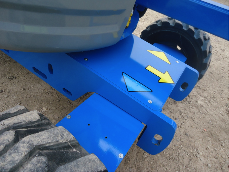 Front wheels on the used Genie lift